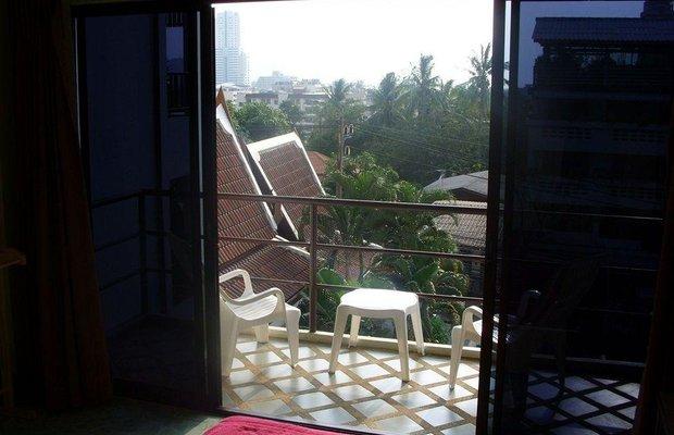 фото Baan Nitra Guesthouse 784213961