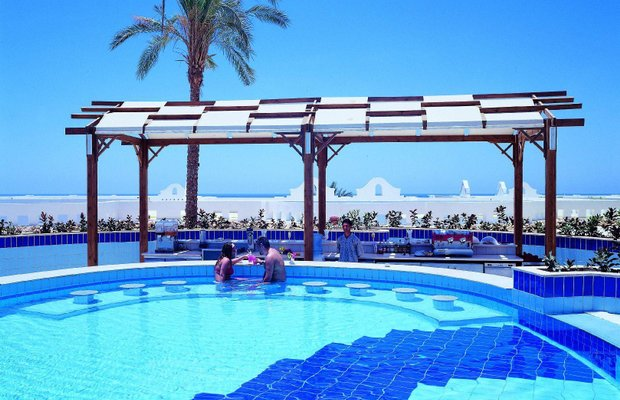фото Continental Plaza Beach Resort 784240653