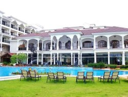 Arpora hotels with swimming pool