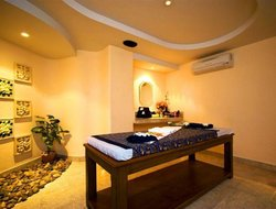Top-8 romantic Karon hotels