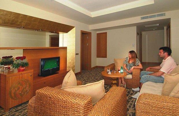 фото Royal Dragon Hotel 784388915