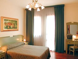 Top-3 hotels in the center of Favaro Veneto