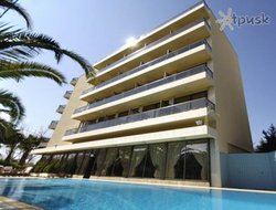 Glyfada hotels with swimming pool