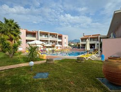 Stoupa hotels with swimming pool