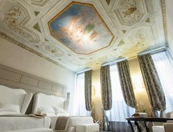 Florence hotels with restaurants