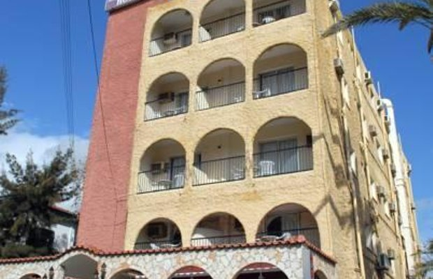 фото Le Village Hotel - Adults Only 785442761