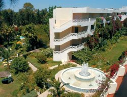 Yasmine Hammamet hotels with swimming pool