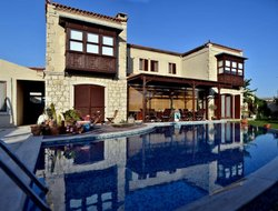 Alacati hotels with swimming pool
