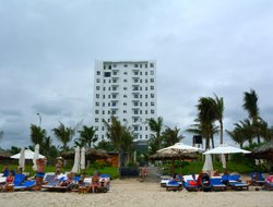 Cam Ranh hotels with swimming pool
