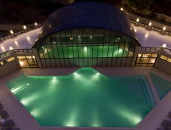 Izmir hotels with swimming pool