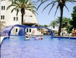 Pets-friendly hotels in Platja de Muro