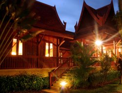 Thalang hotels with restaurants
