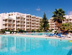 Portimao hotels for families with children