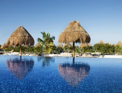 Isla Mujeres hotels with sea view