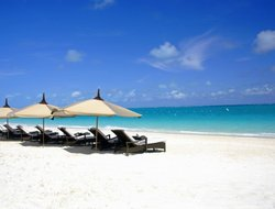 Grace Bay hotels with restaurants