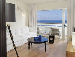 Top-5 hotels in the center of Los Cristianos