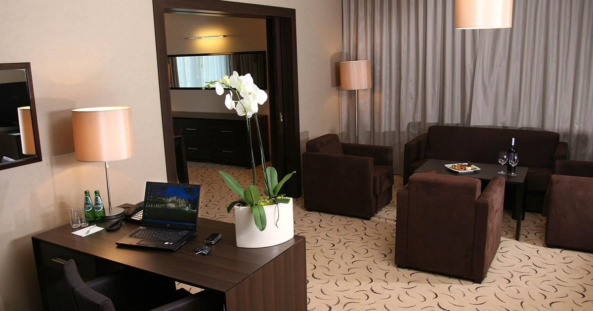 Holiday Inn Warsaw Jozefow