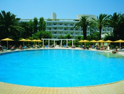 Rhodes Town hotels with restaurants