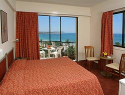 Cyprus hotels with lake view