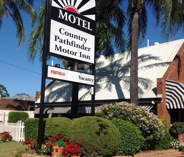 Country Pathfinder Motor Inn