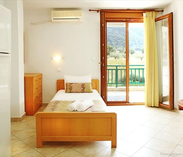 Alexandros Hotel Apartments