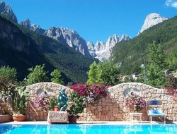 Molveno hotels with swimming pool