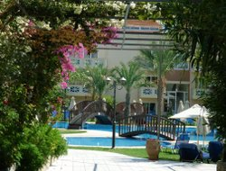 Rapaniana hotels with sea view