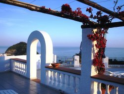 Sant Angelo D'Ischia hotels for families with children