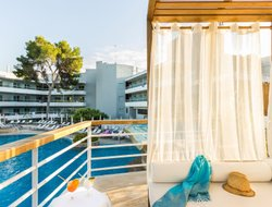 Cala Galdana hotels with sea view