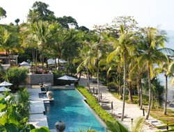 Phuket Island hotels with swimming pool