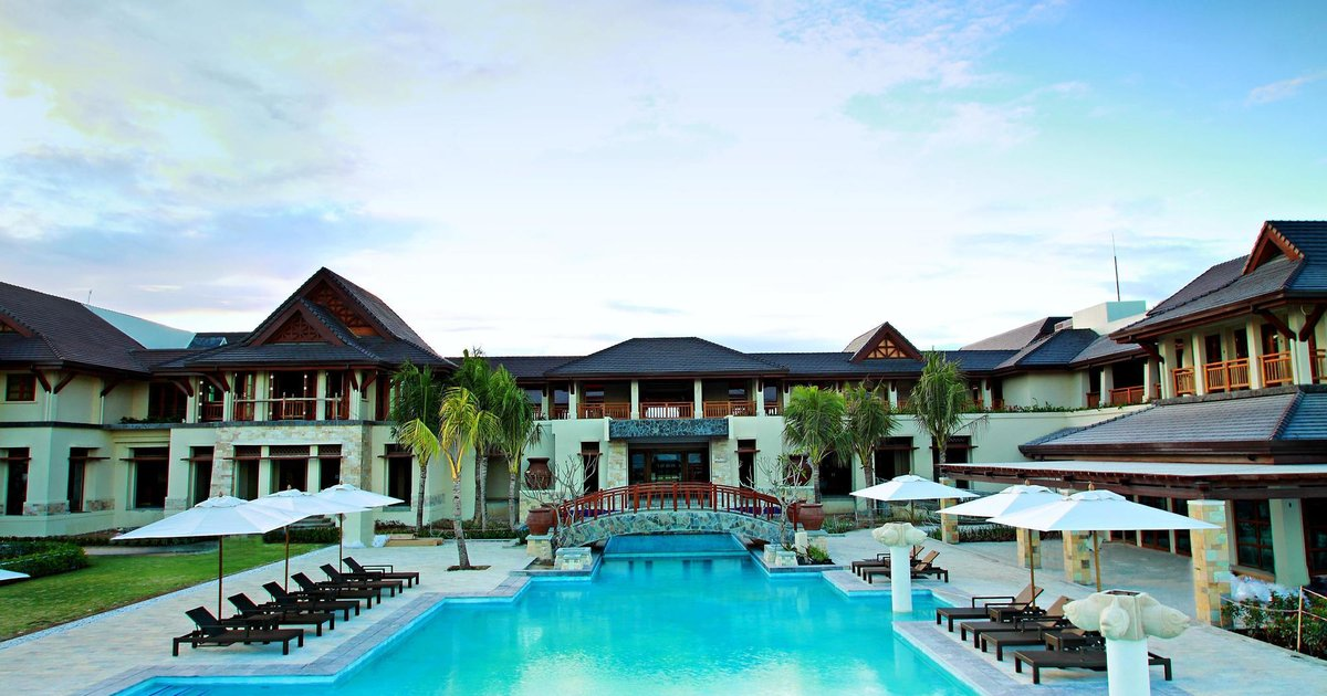 Crimson Beach Resort & Spa - Mactan Island, Cebu