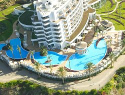 Funchal hotels for families with children