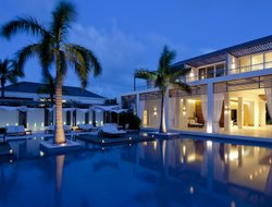 Turks And Caicos Islands hotels with restaurants
