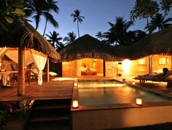 French Polynesia hotels with swimming pool