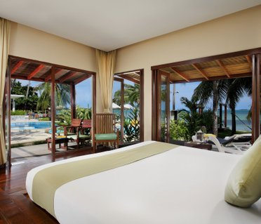 Centra Coconut Beach Resort Samui (ех. Coconut Villa Resort & Spa)
