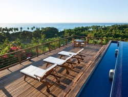 Barahona hotels with swimming pool