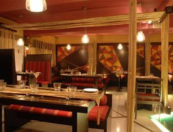 Khar Colony hotels with restaurants