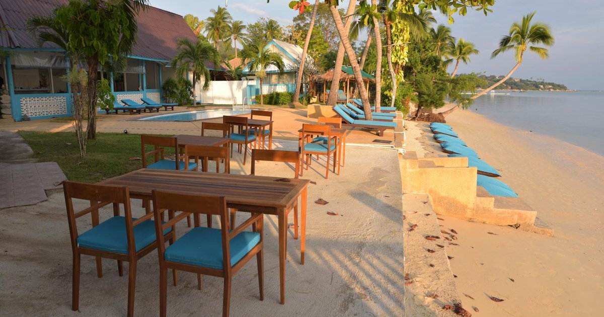 Blu' Beach Bungalows