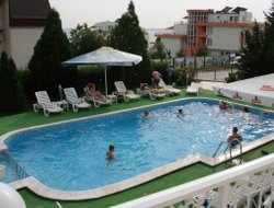 Sveti Vlas hotels with swimming pool