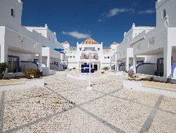Cabanas de Tavira hotels with restaurants
