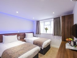 Top-8 hotels in the center of Ilford