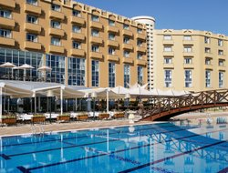 Kyrenia hotels with Russian personnel