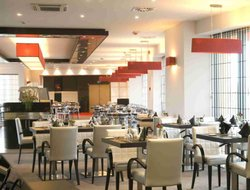 Evere hotels with restaurants