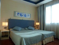Alcala de Henares hotels with swimming pool