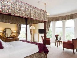 Top-10 hotels in the center of Bowness On Windermere