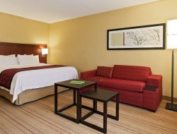 Top-10 hotels in the center of Colonie