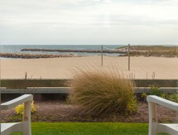 Pets-friendly hotels in West Yarmouth