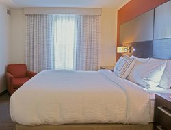Business hotels in Largo