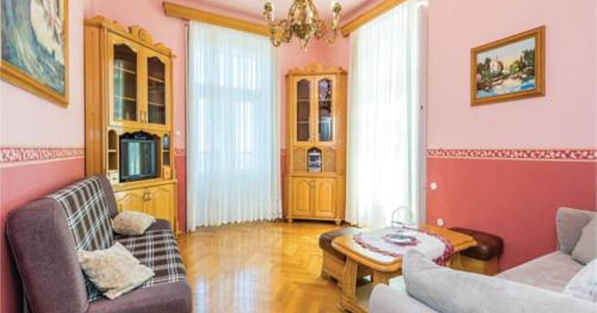 One-Bedroom Apartment in Opatija