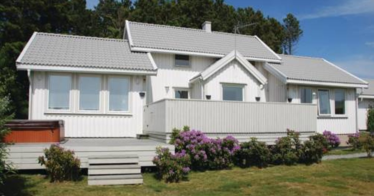 Three-Bedroom Holiday home Store Höga with Sea View 07